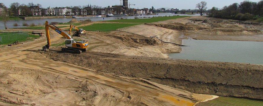 Werkzaamheden 'Ruimte voor de Rivier' bij Deventer-De Worp-> Apdency 12 April 2015