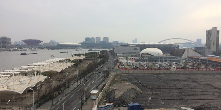 3. underutilised waterfront Huangpu River- Expo 2010 Shanghai (photo Harry).JPG