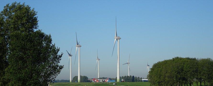 "Windmolens 27-9-18"" (CC BY 2.0) by Bas van Oorschot"