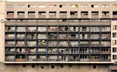 """Face à la Cité des Sciences"""" (CC BY 2.0) by Carlos ZGZ"""