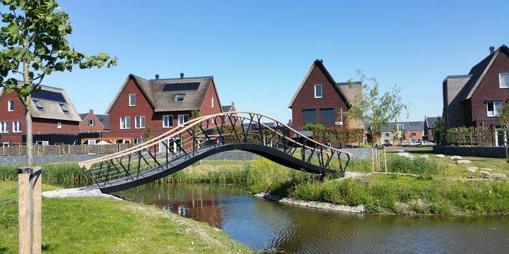 "Nieuwbouw_ Brug in Boszoom van IPV Delft"" (CC BY-SA 2.0) by nandasluijsmans"