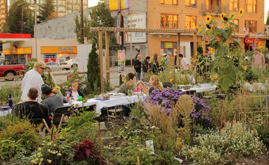 """""""Dining in the Davie Community Garden"""" (CC BY 2.0) by Geoff Peters 604"""