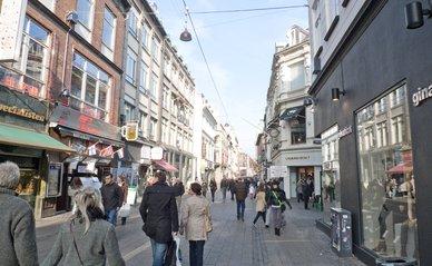 "Kopenhagen (""Stroget - pedestrian mall"" (CC BY 2.0) by Jim Bahn)"