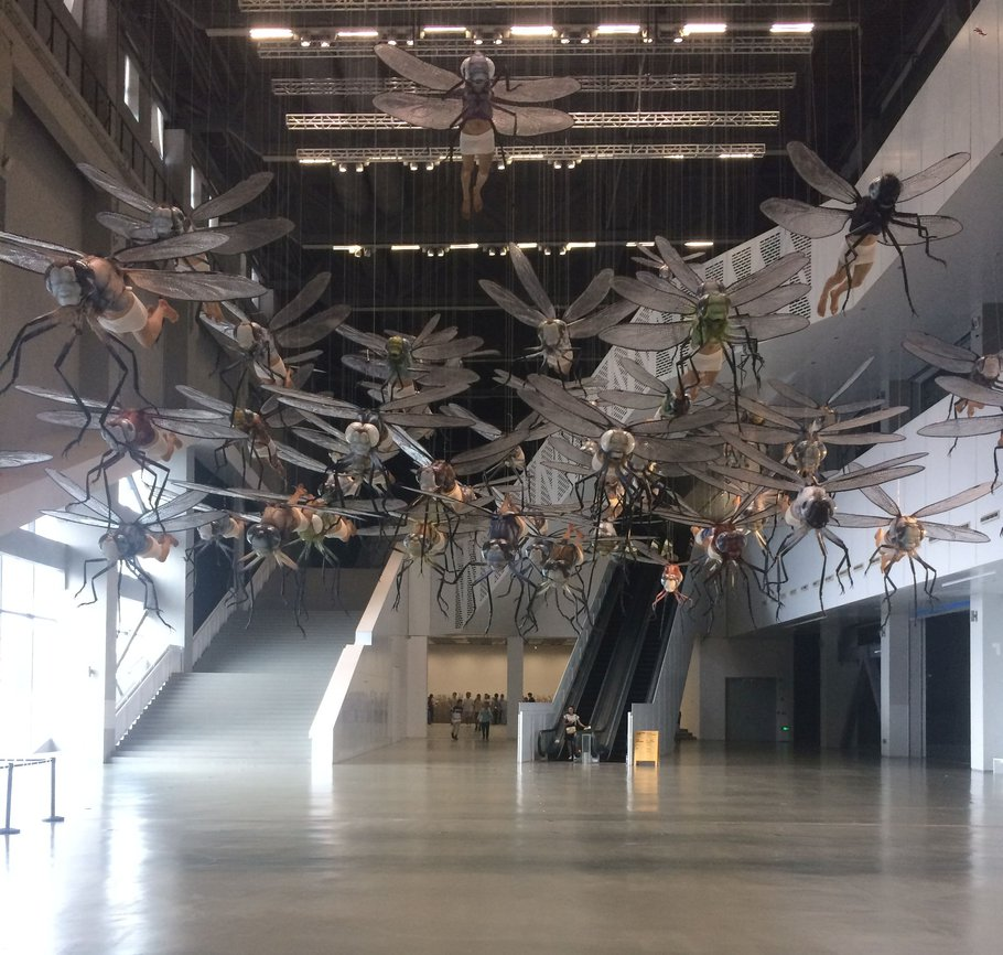 reused powerplant with well visited high-end art exhibits - Expo 2010 Shanghai (photo Harry)