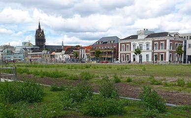 Braakliggend terrein aan de Coenderstraat in Delft (bron: Steven Lek)