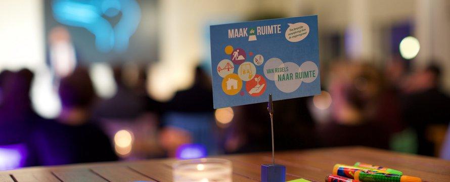 Café de Ruimte plaats bij het Ministerie van Infrastructuur en Milieu in Den Haag