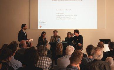 ontwerpend onderzoek paneldiscussie