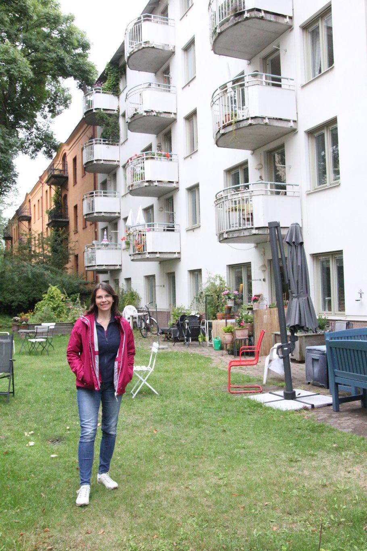 """Darinka Czischke bij cohousing project """"Färdknäppen"""" in Stockholm."""