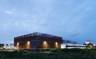 Equinix datacenter South East Campus_edit.jpg