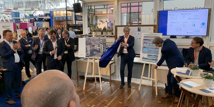 lancering reiswijzer Mariska van der Hee