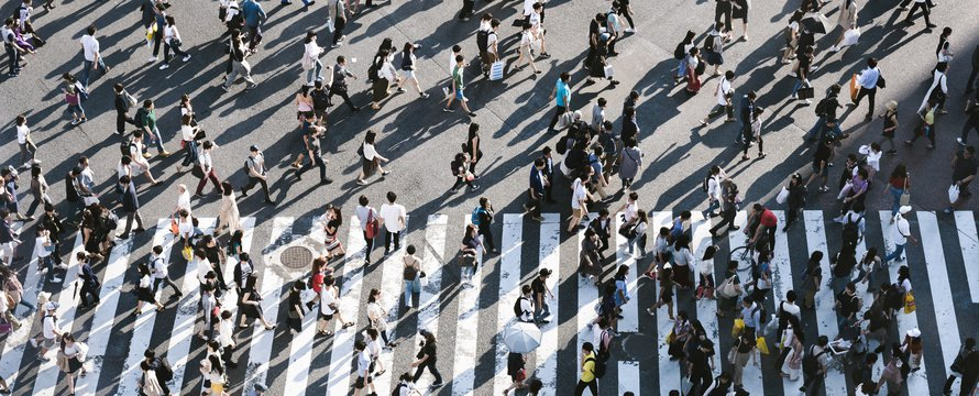 People - pedestrians (Unsplash)