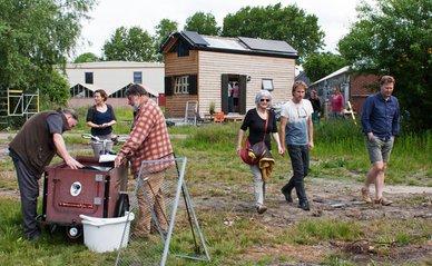 Proeftuin Erasmusveld_tiny houses.jpg