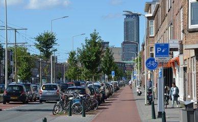 Rijswijkseweg Den Haag parkeren wonen weg - Wikimedia Commons, 2020