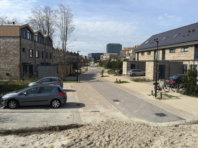 Straat in Almere Duin