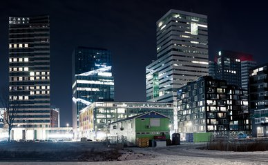 zuidas by night