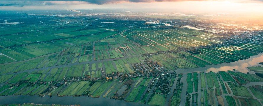 Luchtfoto waterland rechtenvrij