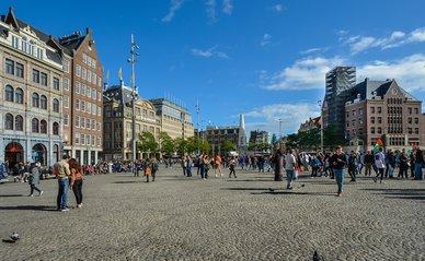 Amsterdam plein mensen - Pixabay, 2020