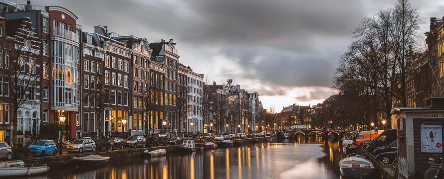 Amsterdam -> Photo by Azhar J on Unsplash