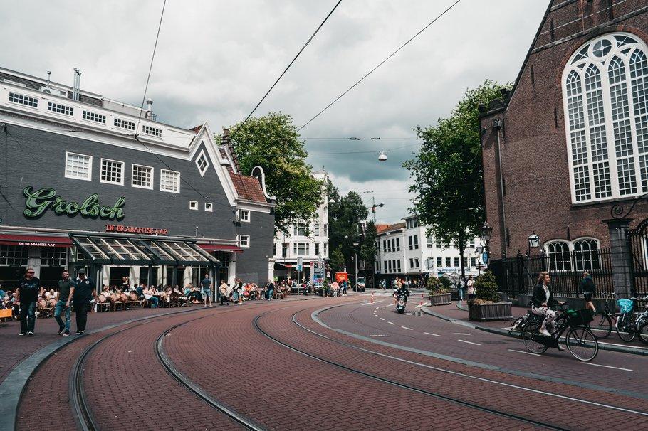 Ruimte voor fietsers (Photo by Darya Tryfanava on Unsplash)