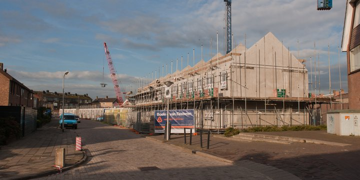 de bouw van 22 nieuwe woningen in de Hoogstraat.noordwijkerhout (flickr)