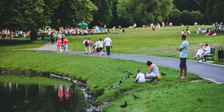 Mensen in het park - Pixabay, 2020