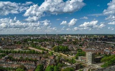luchtfoto Groningen -> Afbeelding van Rudy and Peter Skitterians via Pixabay