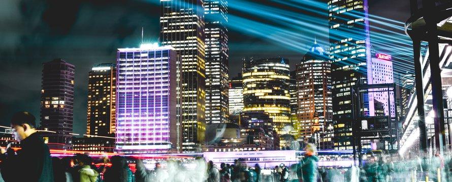 stad avond -> Photo by Hugh Han on Unsplash