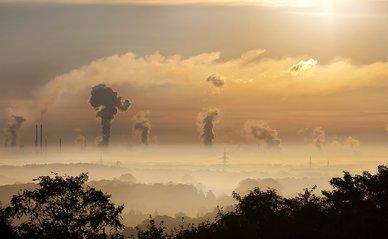 fabriek uitstoot