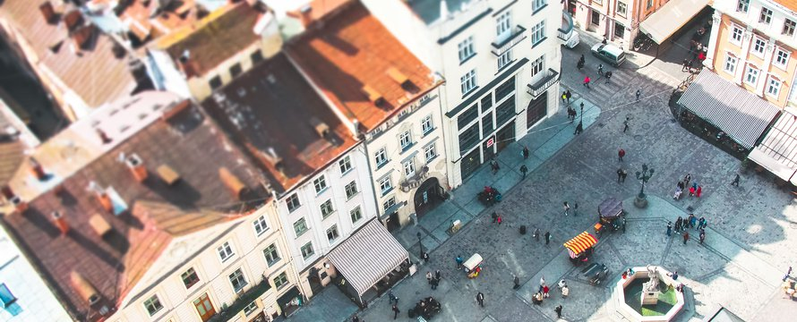stad bovenaf, functiemenging -> Photo by John-Mark Smith on Unsplash