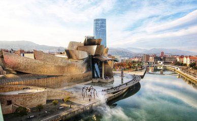 Guggenheim Bilbao, toerisme -> Photo by Jorge Fernández Salas on Unsplash