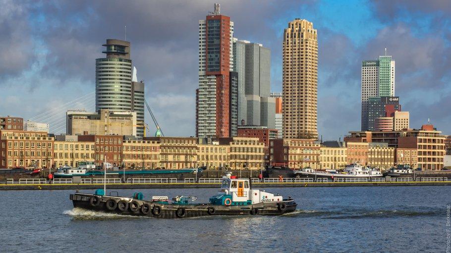 """""""Katendrecht en Kop van Zuid - Maashaven"""" (CC BY 2.0) by Frans Berkelaar"""