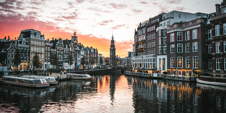 Amsterdam -> Photo by Max van den Oetelaar on Unsplash