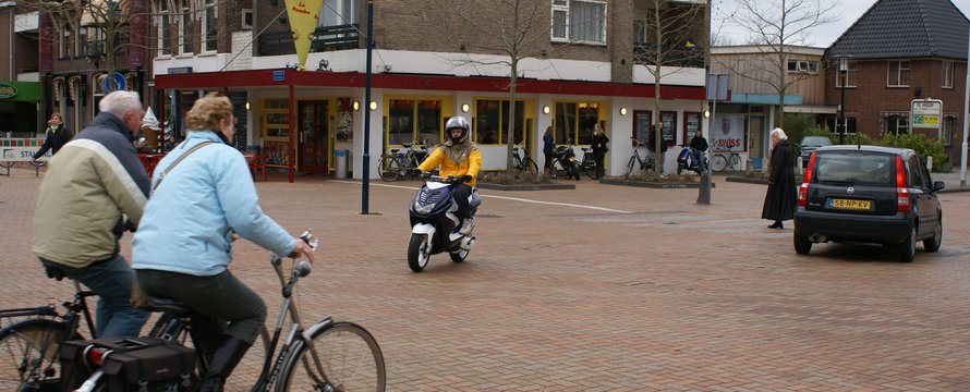 "shared space drachten | ""Shared-space-drachten_21"" (CC BY-ND 2.0) by CROW-Fietsberaad"
