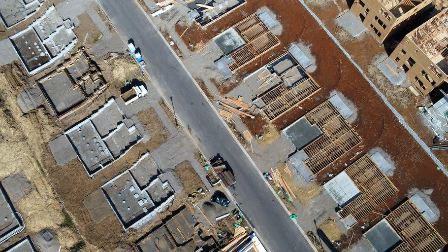Luchtfoto wijk in aanbouw