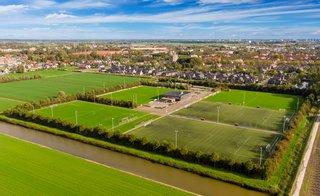 Weiland en voetbalvelden aan de rand van Waddinxveen