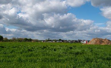 Nieuwbouwlocatie in de polder