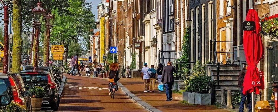 Amsterdam straat Pixabay