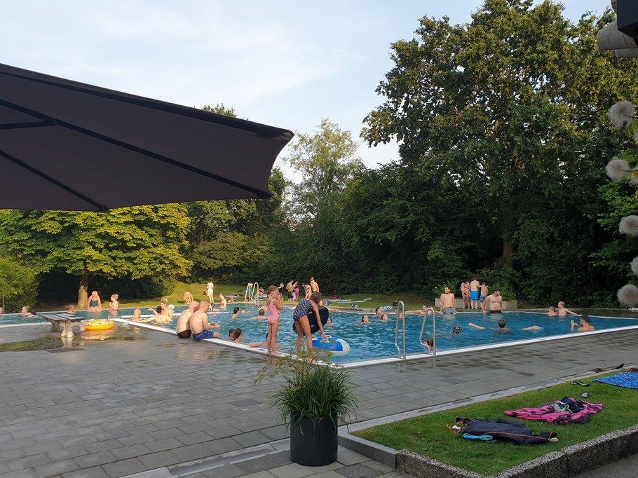 Eurowoningen zwembad, Groenstichting Rozendaal